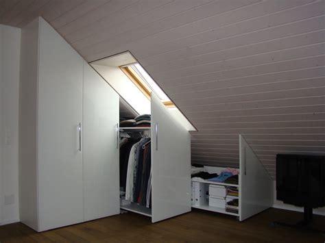 schräge wände tapezieren interior schwarz zu braun
