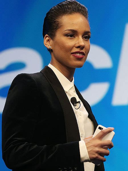 Extra Giveaways Nba Live - alicia keys to headline nba all star game extratv com
