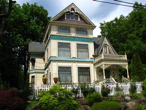 cole house how many spots on the national register of historic places in north and northeast