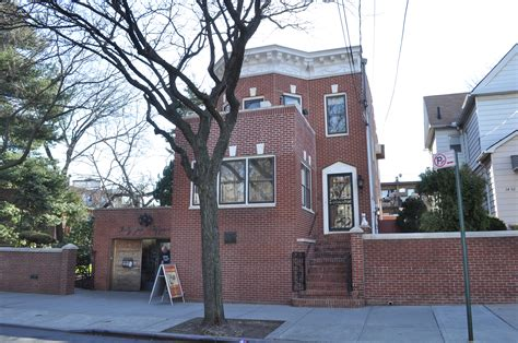 louis armstrong house file louis armstrong house 01 jpg wikimedia commons
