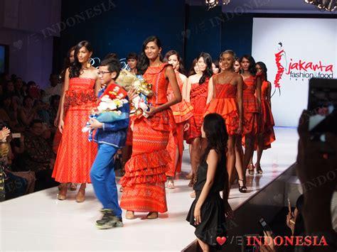 Sho Kuda Samarinda desainer muda indonesia rafi ridwan menggambarkan pesona