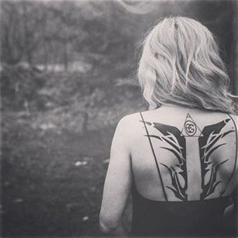 ellie goulding tattoo ellie goulding songs and divergent on