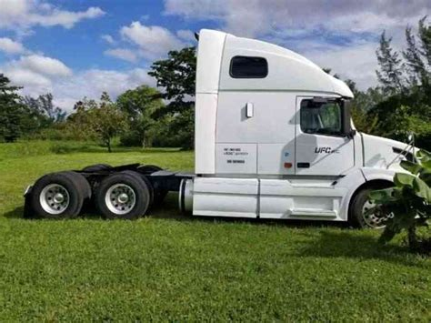 2008 volvo semi truck volvo vnl 2008 sleeper semi trucks