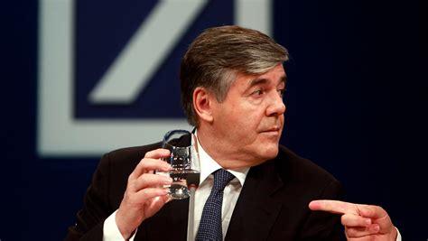 wechsel der bank wechsel bei der deutschen bank chef 246 konom mayer tritt ab