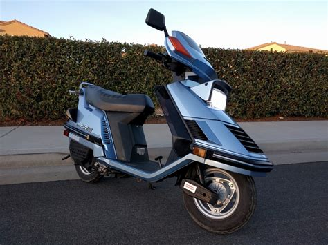 honda elite honda elite 125 150 motor scooter guide