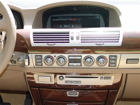 2006 BMW 7 Series Instrument Panel Interior Photo