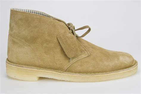 clarks oakwood suede desert boot