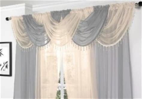 tende classiche con mantovana tenda con mantovana arredamento e casa
