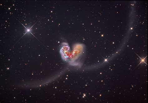 the galactic duet of the antennae galaxies