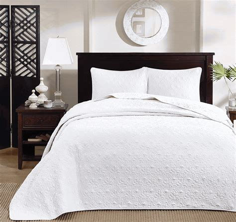 matelasse coverlet set white matelasse quebec bedspread set