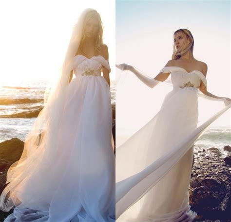 Flowing Wedding Dresses by Hatastyle S