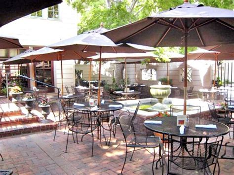 outside eats houston s top 25 restaurant patios