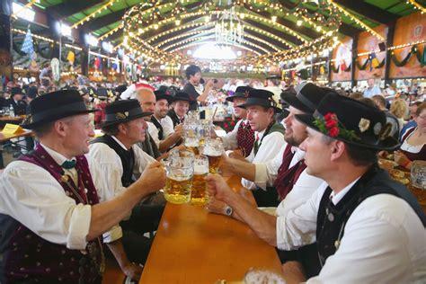 traditional oktoberfest prost toast oktoberfest 2014 in photos