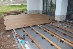 terrasse bauen unterbau die perfekte unterkonstruktion holzwelten