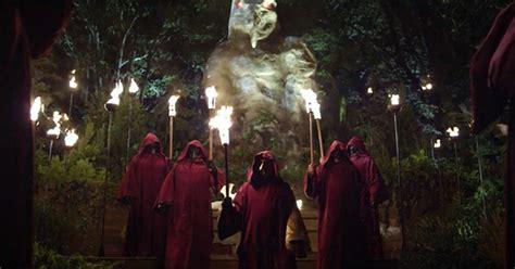 illuminati bohemian grove new house of cards features mock human sacrifice at