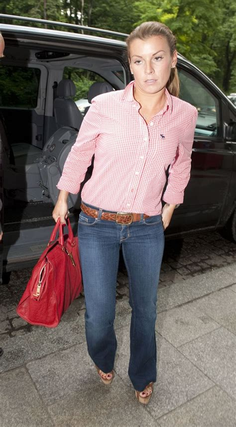 Coleen Rooney boards private jet to join husband Wayne at