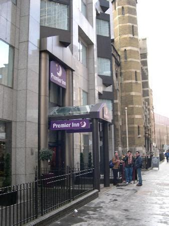 london tower hill premier inn reception picture of premier inn london city tower hill