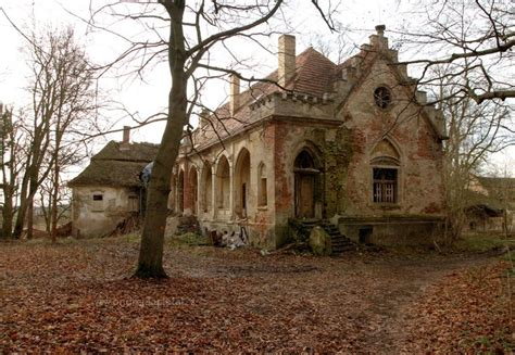 25 best ideas about abandoned mansions on