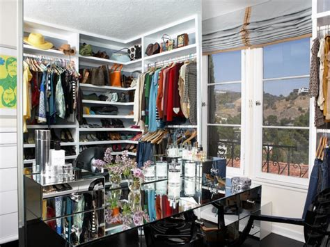 Vanity Closet Boutique by Dreamy Easy To Organize Walk In Closets Hgtv