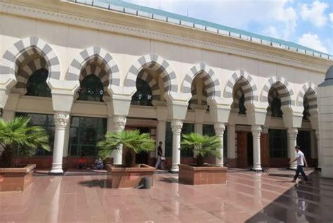 Karpet Masjid Tanah Abang sentuhan cordoba di masjid blok a tanah abang republika