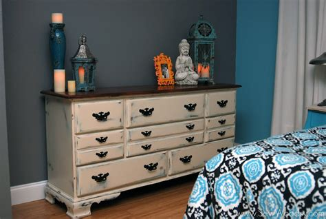 How To Antique A Dresser With Paint by Antique Chalk Painted Dresser Sew Woodsy