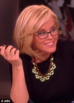 how to get jenny mccarthys new haircut jenny mccarthy