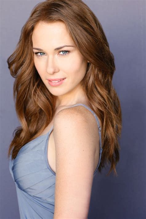 dawn commercial actress poutine kelly frye cast as plastique atomic geekdom