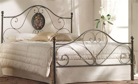 letti matrimoniali ferro battuto prezzi letti in ferro legno letto matrimoniale ferro battuto