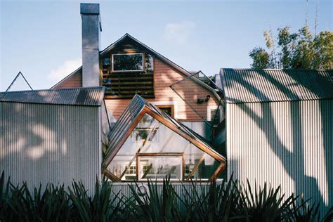 6 houses designed by famous architects to be their family homes frank gehry s house architect magazine architects