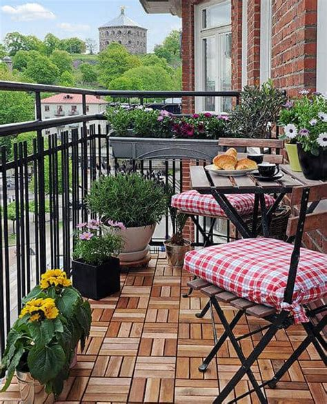 small balcony decorating ideas on a budget practical tips for decorate gardens terraces and balconies house design