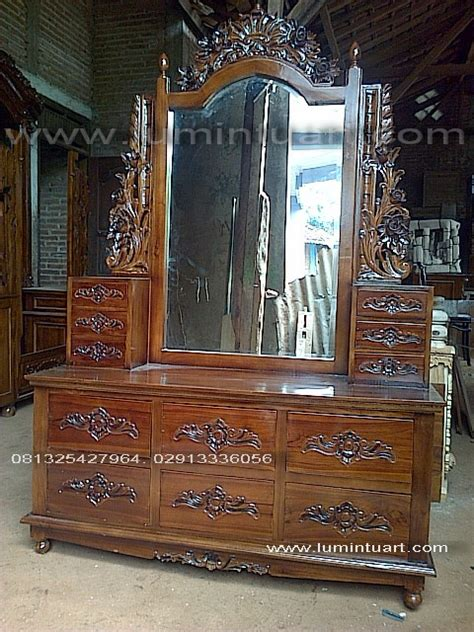 Tolet Meja Rias Jati meja rias cermin tolet fuel laci ukiran kayu jati jepara ud lumintu gallery furniture