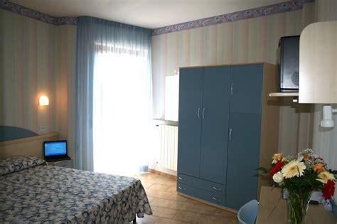 hotel a porto san giorgio 3 stelle le camere hotel porto san giorgio hotel riviera