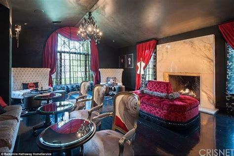 pics angelina jolie s hidden hills home inside lavish 6 9 million malibu mansion owned by denise richards now