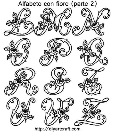 alfabeto fiori seconda parte dello schema con lalfabeto decorativo fiore