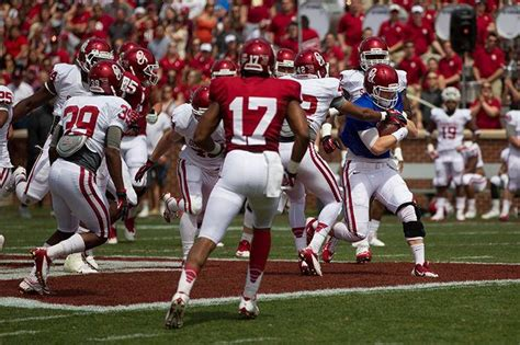 3 And 4 Grade Mba Basketball Mayfield Record by Oklahoma Football Baker Mayfield Experiencing Quot Shoulder