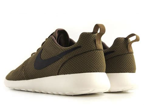 Nike Roshe Run Iguana Green nike roshe run iguana green black sail
