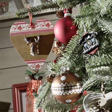Deco Chalet De Noel by D 233 Co De No 235 L Un Sapin De Style Chalet Traditionnel