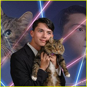 Laser Cat Meme - draven rodriguez dead laser cat yearbook meme star dies