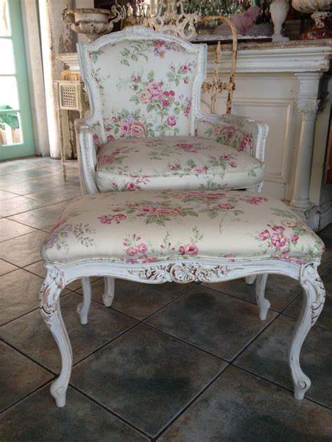 Shabby Chic Ottomans Shabby Chic Ottomans And Pink Roses On