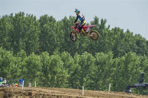 car glass pavia hrc mx2 left and bothered in ottobiano qualifying
