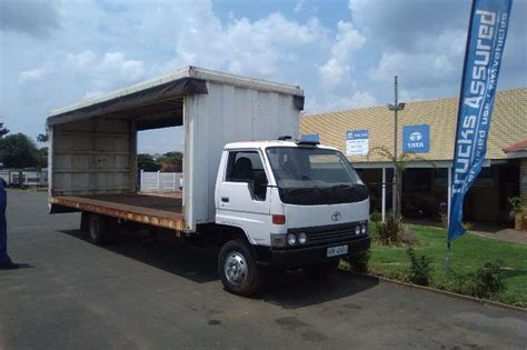 2000 toyota truck for sale 2000 toyota dyna curtain sider 5t curtain side truck