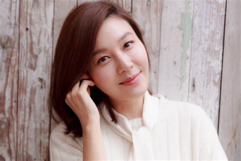 korean actress kim ha neul actress kim ha neul gives birth to her first child soompi
