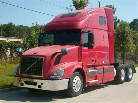 volvo truck 2004 2004 volvo conventional trucks for sale used trucks on