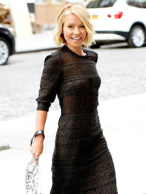 25 best ideas about kelly ripa haircut on pinterest 25 best ideas about kelly ripa family on pinterest
