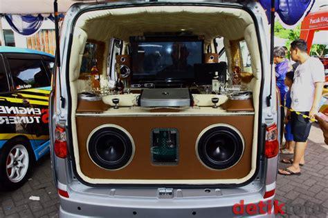 Tv Mobil Luxio inilah mini bar berjalan noretz area