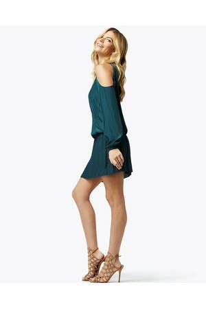 shop clothing / dresses at orchard mile