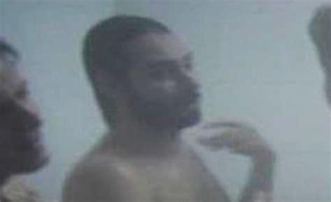 uomini nudi sotto la doccia matteo branciamore completamente nudo nel tre tocchi
