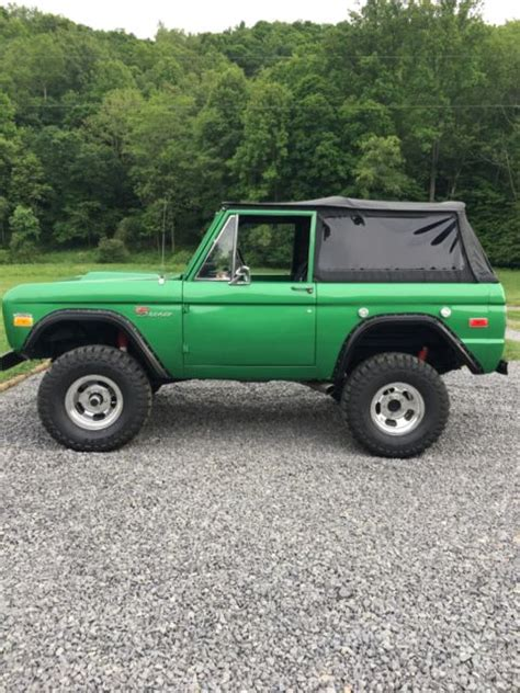 ford bronco rust  perfect shape   speed