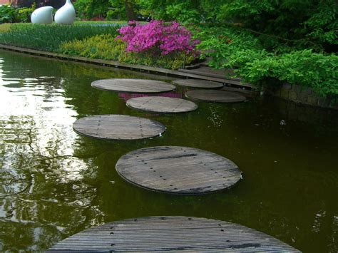backyard stepping stones stone pathways stepping stone walkway ideas designs