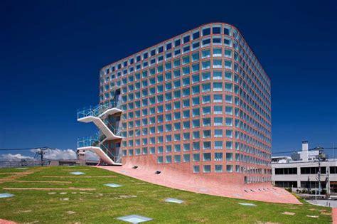 Riken Yamamoto   e architect